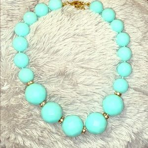 2/15$ Large Mint Green statement necklace